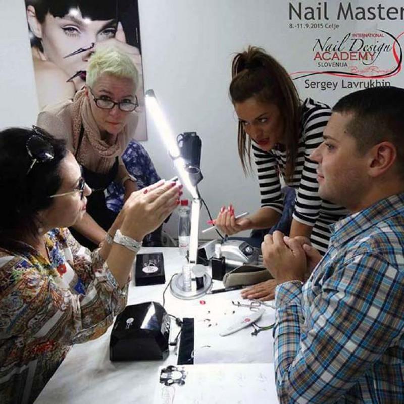 nail-master-img04
